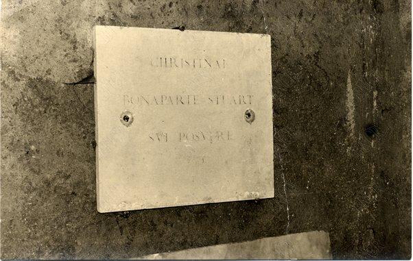 A Cristina Bonaparte Stuart (nella chiesa di S. Quirico e Giulitta)